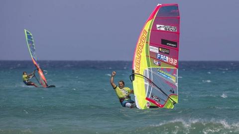 Albeau dominerar på Fuerteventura
