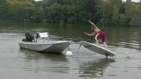 Foil-SUP på plattvatten