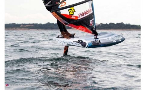 starboard-windsurfing-2019-foil177-carbonreflex